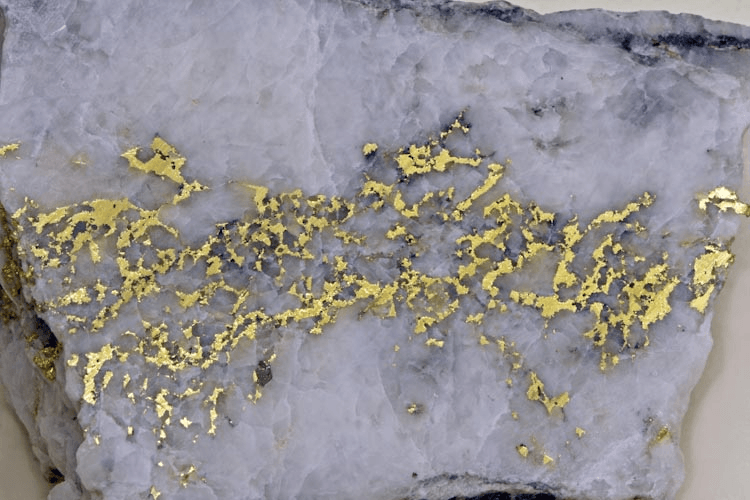 veine d'or dans du quartz
