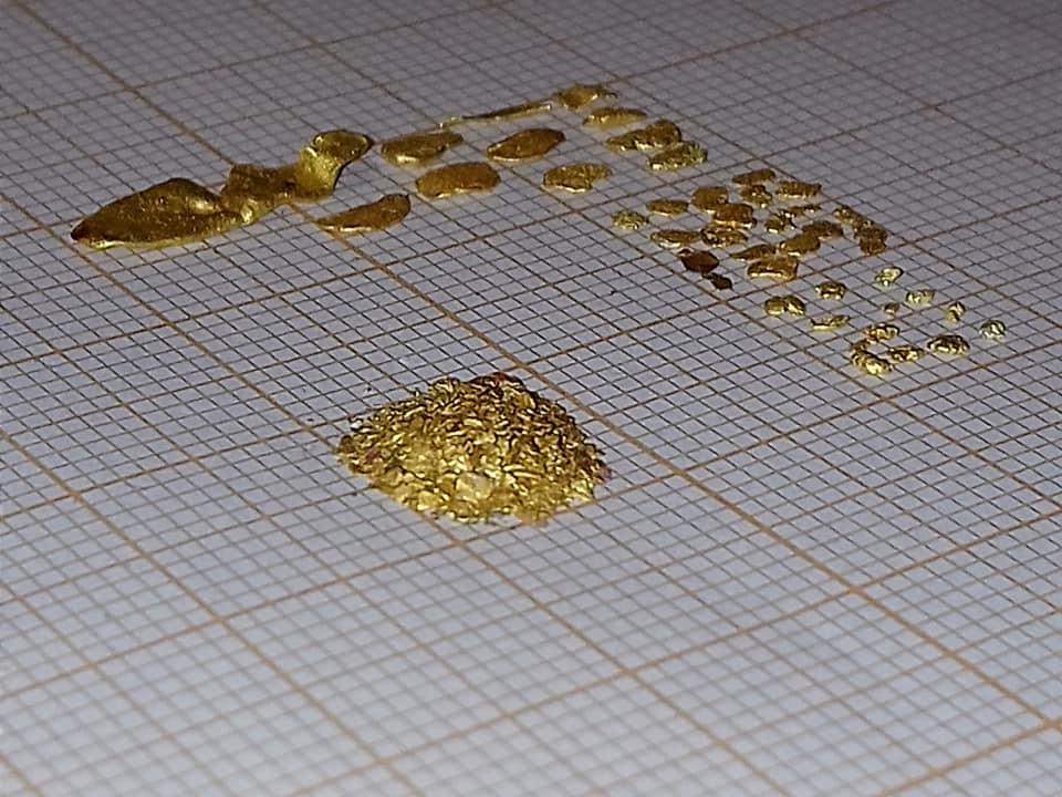 feuille millimétré avec paillette et grains laminés