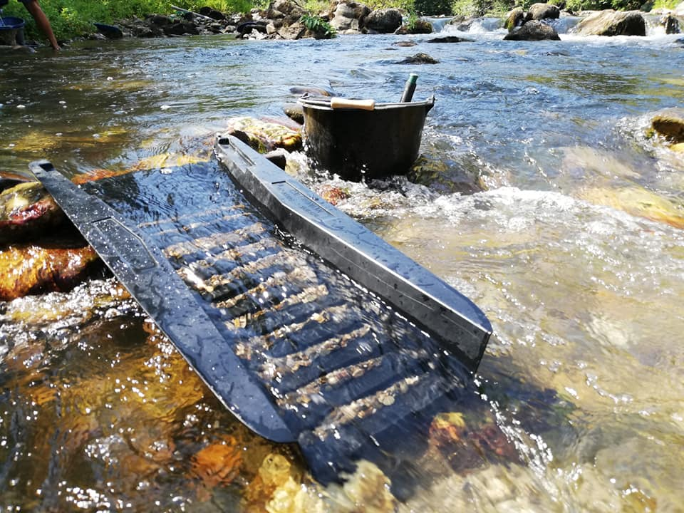 rampe caledonian sur une rivière de l'aude
