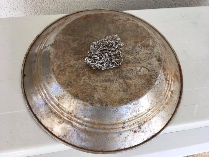 couleur d'un pan metallique avant ponçage
