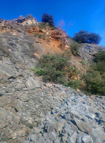 les zones de contact rocheuses sont des bonnes astuces pour trouver de l'or natif