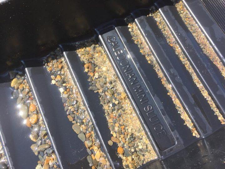 concentré de sable noir à nettoyer en orpaillage