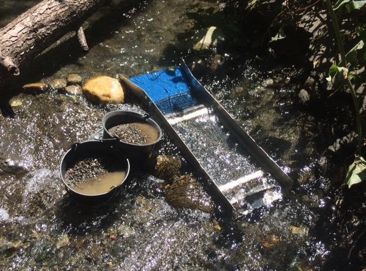 rampe de lavage professionnelle pour trouver des pépites d'or